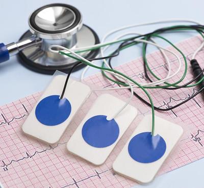 Pinces et raccords pour électrodes